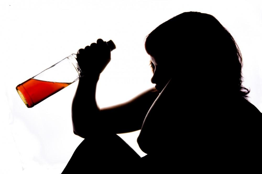 Alkohol-će-biti-zabranjen-mlađima-od-25-godina